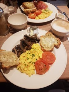 Breakfast at Le Pain Quotidien