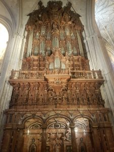 A photo of the organ
