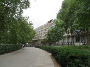 Approaching the US Embassy, London