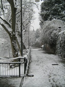 The side of the river Po in the snow, Turin.