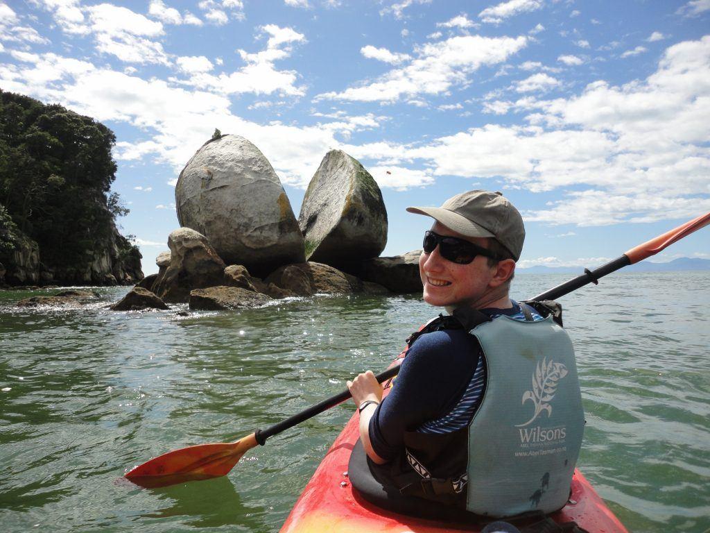 split-apple-kayak